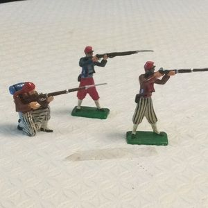 Set of x3 Zouave Union soldiers.  Hand painted.